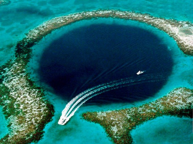 grote-blauwe-gat-954x715  Belize