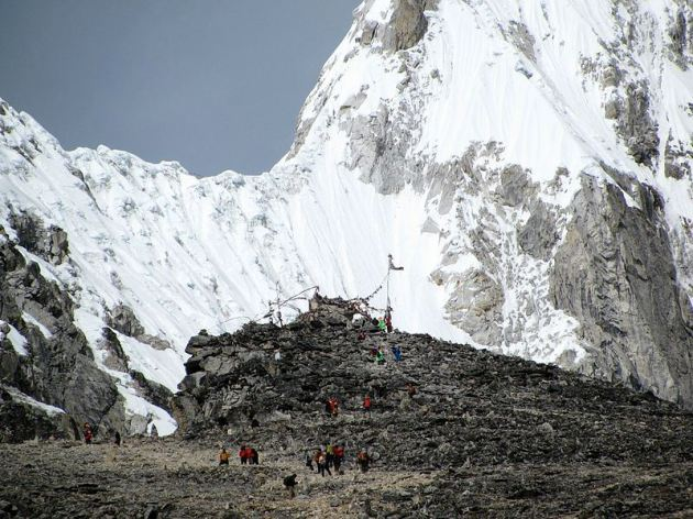 kala_patthar near the summit
