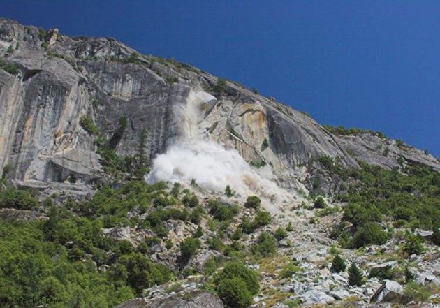 debris avalanche yosemite