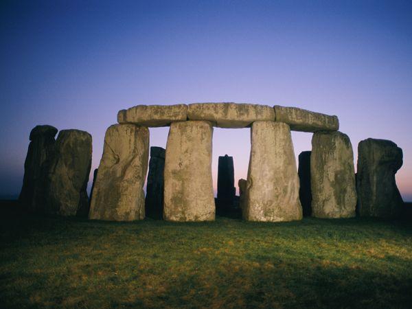 stonehenge-dusk_24763_600x450