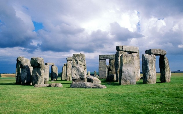 stonehenge_2436210k