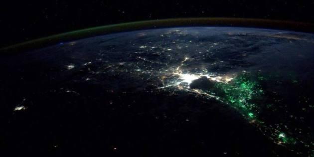 mysterieuze lichtjes voor de kust van Bangkok