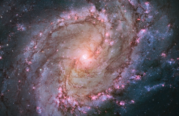 M83  nevel  2014 Hubble